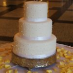 White Wedding Cake – Pearls